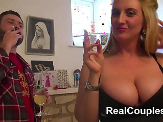6:43 - Anal loving busty housewife -
