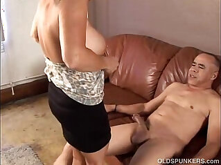 11:12 - Gorgeous granny loves to fuck and eat cum -