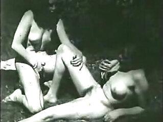 9:54 - Vintage voyeur watches two lesbians -