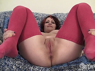 6:03 - Chubby Hannah Vibrating Her Pussy -