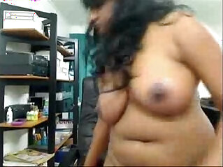 29:47 - Curvy woman masturbating and squirting on cam -