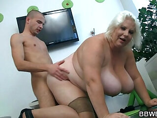 6:34 - Huge blonde lady gets doggystyled -