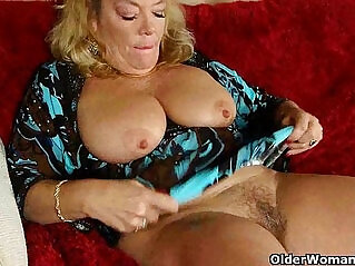25:42 - Office granny in pantyhose gives her old pussy a treat -