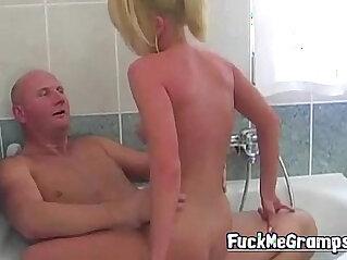 5:22 - Grandpa fucks blonde hottie in bath -
