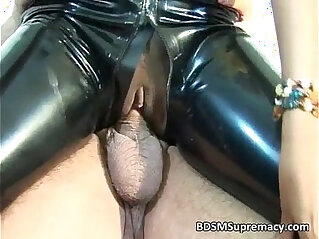 8:39 - Sexy ebony with amateur cute face takes ride -