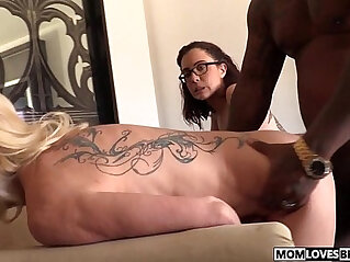 7:53 - Mom Cammille and Roxanne Rae share a BBC -