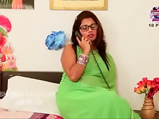 14:02 - Desi bhabi aunty romantic fuck session with boyfriend -