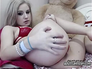 9:18 - Cute teen girl showing ass on cam -
