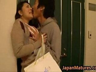 6:17 - Ayane asakura Japanese mom -