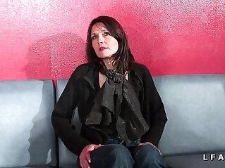 41:49 - Cougar francaise sodomisee et prise en double penetration pour son casting porno -