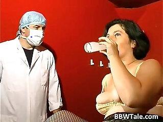 31:50 - BBW mature slut in BDSM game of sex -
