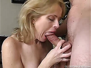 24:20 - Sexy mature enjoys a long and hard anal fuck -
