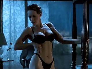 2:09 - Jamie Lee Curtis Striptease in HD -