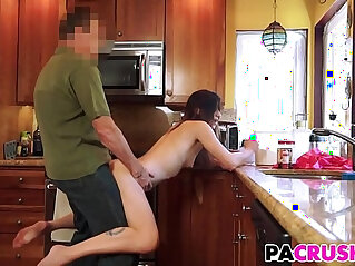 8:08 - Daddys Breakfast Surprise With Avery Moon -