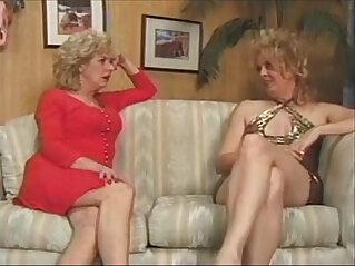 20:22 - kathy and emerson lesbian grannies -