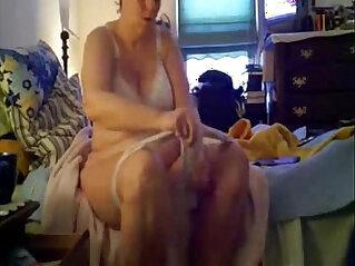 2:22 - My nude mum after shower. Real hidden cam -