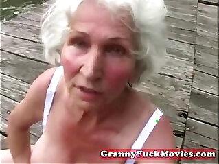 5:53 - Check this dirty grandma -