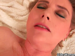 6:46 - Grandma with breasts and unshaven pussy dildoing -
