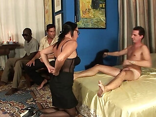 34:10 - Milf in gang bang, anal, double penetration and cumshot in the face!!! -