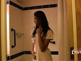 2:20 - Indian pornstar babe divya seducing her fans with her sex in shower -