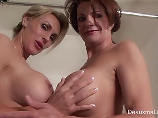 6:54 - Deauxma Tanya Tate Shower During Live cam Show! -
