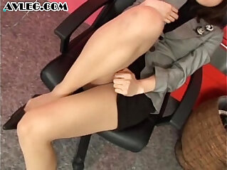 7:35 - Asian secretary in pantyhose stocking nylon fetish -