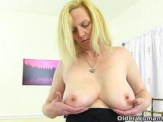 6:36 - British milf Fiona fingers her soaking wet pussy -