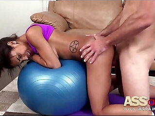 5:48 - Yoga Moves Nicole Bexley -