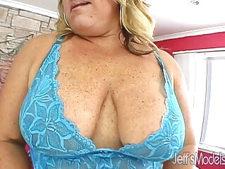 8:52 - Mammoth milf rylee payton rides a tattooed guy for fun -